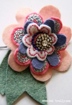 {D.I.Y Tutorial} Stitched Felt Flowers- Part 2 .. templates and pdf included on this link