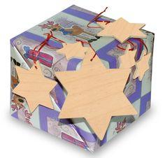 Set da 15. Assortimento di stelle decorative, da 4 cm, 7 cm e 10 cm per l'ambiente natalizio! Queste stelle di legno non trattato possono essere utilizzate per diverse decorazioni e lavori di bricolage. Dimensioni:Ø ca. 10, 7, 4 cm