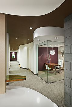 Separation of space. MM Lines Pearl Dentistry - Dental Office Design by JoeArchitect in Denver Colorado Dental Office Decor, Medical Office Design, Healthcare Design, Dental Offices, Spa Interior, Office Interior Design, Office Interiors, Dental Design, Clinic Design