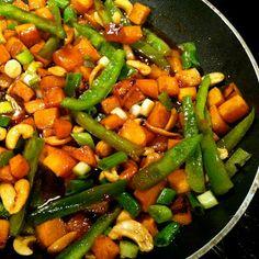trail.mix: roasted sweet potato, peppers, & tofu stir fry