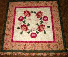 Applique flowers wallhanging - Edie