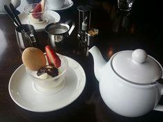 Je t'aime black tea with icecream
