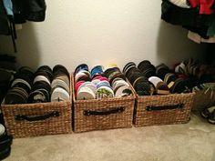 Clothes Closet Organisation Ideas Flip Flops Ideas For 2019 Master Closet, Closet Bedroom, Closet Space, Konmari, Flip Flop Storage, Organizar Closet, Ideas Para Organizar, Small Space Storage, Shoe Organizer