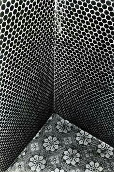 Daido Moriyama, Tiles of Aizuwakamatsu, 1987,