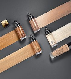 Discover Lancôme's new Custom Drops, our ultra-concentrated liquid highlighter for a buildable glow. Available in 4 shades: rose, champagne, bronze and gold. Liquid Highlighter, Highlighter Makeup, Highlighters, Sephora, Make Me Up, How To Make, Make Up Tricks, Vogue Beauty, Beauty Awards