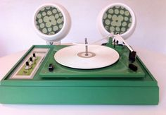 Space Age Mod Viking Green Goodie Record Player w Speakers Mid Century Radio Record Player, Record Players, Vinyl Storage, Vinyl Music, Futuristic Design, Vintage Tv, Vintage Vinyl Records, French Country House, Space Age