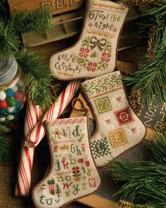 Lizzie Kate Flora McSamples - 2013 Christmas Stockings Counted Cross Stitch Chart Pattern - three stockings designs to stitch with holiday colors Modern Cross Stitch, Cross Stitch Kits, Counted Cross Stitch Patterns, Cross Stitch Designs, Cross Stitch Embroidery, Hand Embroidery, Lizzie Kate, Cross Stitch Christmas Stockings, Cross Stitch Stocking