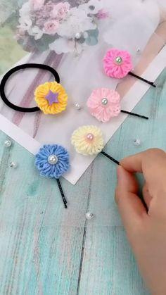Kids Crafts, Diy Crafts For Kids Easy, Diy Crafts For Gifts, Creative Crafts, Yarn Crafts, Kids Diy, Easy Diy, Fabric Crafts, Flower Crafts