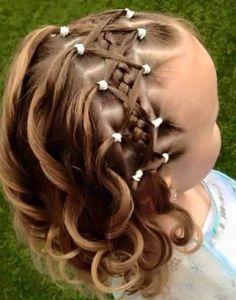 Peinado con trenza pelo corto para niña                              …