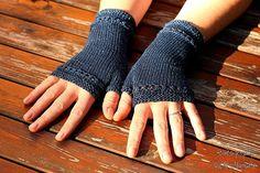 Fingerless Mittens COFFEE TIME  knitting pattern by KnitographyByMumpitz