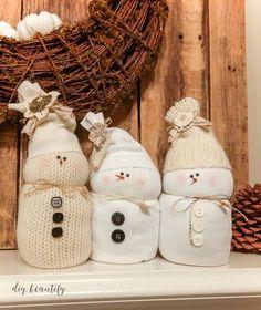 Ninots de neu Más Christmas Crafts For Gifts, Christmas Projects, Craft Gifts, Christmas Fun, Diy Gifts, Christmas Decorations, Christmas Ornaments, Holiday Decorating, Diy Snowman Decorations