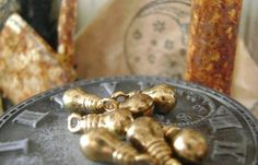 5 tiny light bulbs craft charm for Steampunk  | Artsy_Effects - Craft Supplies on ArtFire