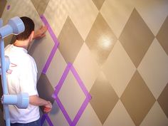 How to paint a harlequin wall....oh yes I will...