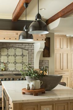 White oak...a classic that is making a huge return to the design scene, was the inspiration for this modern kitchen renovation with European flair. Modern Kitchen Renovation, Kitchen Remodel, Modern Craftsman, Modern Farmhouse, Rustic White, White Oak, Kitchen Gallery, Stained Concrete, Dream Closets