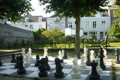 Het vrolijke parkje en speeltuin van het bleekerstraatje ligt net achter de Vughterstraat. #Denbosch #Speeltuin #Kids