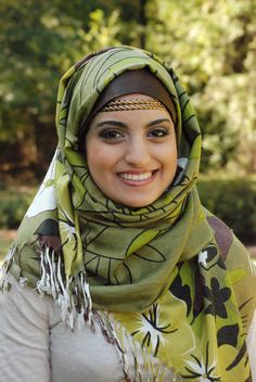 Hijab-ista, Muslim and modest fashion as designed by Zamena Momin and Anam Momin and based in the U.S. An American label, here is featured a gorgeous green floral printed pashmina shawl worn as hijab.