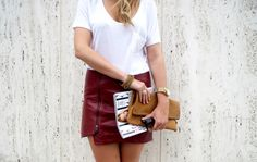 leather skirt-fall must have New Fashion, Fashion Beauty, Autumn Fashion, Womens Fashion, Red Leather Skirt, Burgundy Skirt, New York Style, Fall Skirts, Fashion Killa