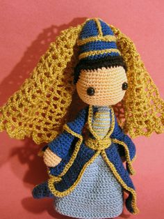 CROCHET - DOLL / POUPEE / POPJE - Circassian Girl...given better hair and possibly a mouth this could be cute