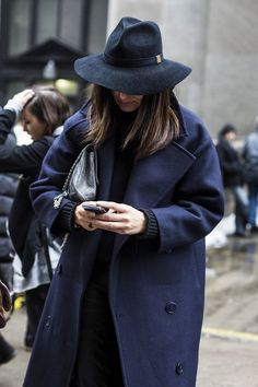 Fashion Trends: How to Find Your Perfect Coat Winter Make-up, Winter Wear, Winter Looks, Autumn Winter Fashion, Winter Style, Winter Hats, Fashion Mode, Love Fashion, Fashion Hats