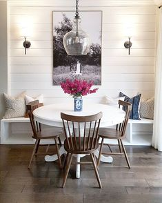 Thank you all so much for your comments about my newly finished built-in banquette! You sure know how to make a girl feel great about her… Dining Nook, Interior, Dining Room Small, Home Decor, House Interior, Apartment Decor, Dining Room Decor, Shabby Chic Room, Dinning Room Ideas Small