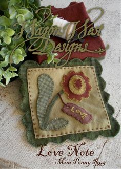 "How to Mark Wool Applique with Martha Rinker Walker - free her pattern ""Love Note"" Motifs Applique Laine, Wool Applique Patterns, Felt Applique, Rug Patterns, Applique Ideas, Hand Applique, Applique Designs, Embroidery Patterns, Felted Wool Crafts"
