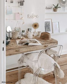 – Home Office with a feminine touch! And so, a GirlBoss atmosphere also comes into your interior: With a home-o … - New Deko Sites Home Office Design, Home Office Decor, Home Decor, Interior Office, Home Living, My New Room, Home Furnishings, Home Furniture, Family Room