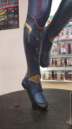 Captain Marvel Costume, Marvel Costumes, Movie Costumes, Diy Costumes, Captain Marvel Carol Danvers, Female Armor, Marvel Women, Brie Larson, Halloween Cosplay