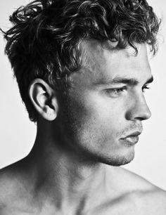Benjamin Eidem and his wavey curly look