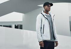 Lightweight and durable material, detachable hood, velcro closure, minimalistic detailing, white pelle jacket | JACK & JONES #core #jacket #white #velcro #durable #hood #urbanstyle #menstyle #ootd