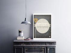 """Placa decorativa """"Love You To the Moon and Back""""  Temos quadros com moldura e vidro protetor e placas decorativas em MDF.  Visite nossa loja e conheça nossos diversos modelos.  Loja virtual: www.arteemposter.com.br  Facebook: fb.com/arteemposter  Instagram: instagram.com/rogergon1975  #placa #adesivo #poster #quadro #vidro #parede #moldura"""