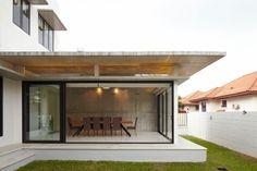 Voila House by Fabian Tan Architect | HomeDSGN