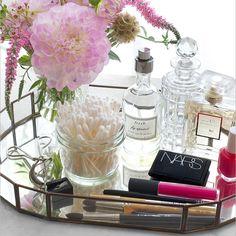 40+ Creative Ways to Organize Vanity Table