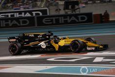 Nico Hulkenberg, Renault Sport Team Photo by Sutton Images on November 2017 at Abu Dhabi GP. Formula One World Championship photos. Sport F1, F1 2017, Formula One, Abu Dhabi, Race Cars, Grid, Racing, Formula 1, Drag Race Cars