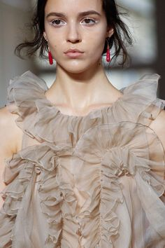 See detail photos for Valentino Fall 2017 Couture collection.
