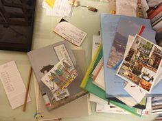 지저분한 일요일 책상