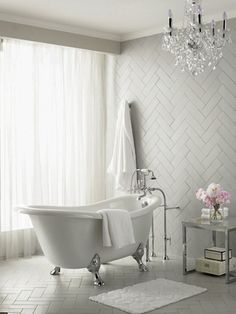 Bathroom inspiration - Claw foot tub and zigzag tiles. Found: http://nicety.livejournal.com/687644.html