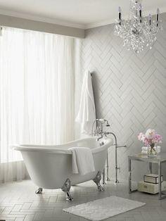 Bathroom inspiration - Claw foot tub in master bathroom. Bathroom Renos, Master Bathroom, Feminine Bathroom, Simple Bathroom, White Bathroom, Herringbone Tile, Chevron Tile, Master Bath Remodel, Deco Design