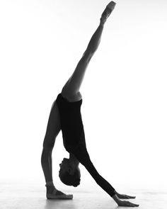 November 2018 – Page 7 – Ballet: The Best Photographs Dance Photography, Photography Women, Portrait Photography, Vintage Photography, Ballet Poses, Ballet Dancers, Anastasia, Dance Dreams, Black Ballerina
