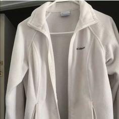 Women's medium Columbia fleece jacket women's white fleece Columbia jacket.No stains rips or holes. Non smoking home. Clean gently worn Columbia Jackets & Coats