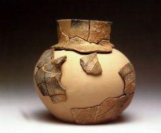 Vaso a fiasco in ceramica depurata finemente decorata di età neolitica dal territorio euganeo (Valcalaona)