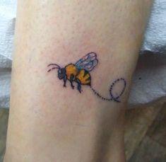 bumble bee tattoos   Bumble Bee Tattoo pics   New Tattoos