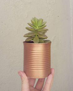 Plastic Bottle Planter, Handmade Home Decor, Flower Pots, Fun Crafts, Planter Pots, Decoration, Decoupage, Upcycle, How To Make