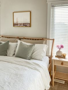 Create an environment perfect for sleep with white linen bedding which is lightweight and breathable. Check out all the sizes! Styled by @meganlhart Bedding by MagicLinen