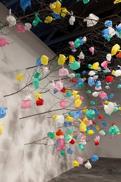 pascale marthine tayou grows plastic tree at art basel 2015 pascale marthine tayou plastic tree art Land Art, Art Basel, Waste Art, Art Environnemental, Art Et Nature, Instalation Art, Licht Box, Trash Art, Plastic Art