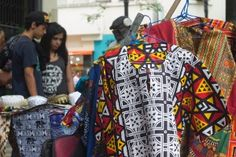 Moda afro: no centro de SP ou na internet, a negritude ganha força fashion - 03/11/2015 - UOL Estilo de vida