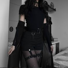 Dark style tight-fitting high-waist shorts Youvimi Source by girl outfits aesthetic black Mode Outfits, Grunge Outfits, Casual Outfits, Fashion Outfits, Hipster Outfits, Cute Punk Outfits, Goth Girl Outfits, Black Outfit Grunge, Fashion Ideas