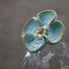 fleur au crochet by rosanna Crochet Leaves, Knit Or Crochet, Cute Crochet, Irish Crochet, Crochet Motif, Beautiful Crochet, Crochet Crafts, Yarn Crafts, Crochet Projects