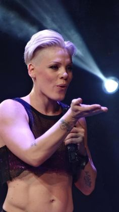 I look at pictures of P!nk and just imagine that if you punched her stomach, it would feel like rock. Am I the only one?