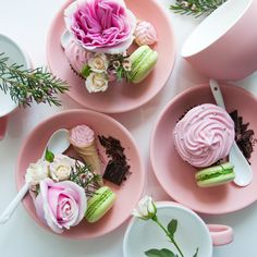 #macaron#tea#table#cake#morning#pink#green#cup