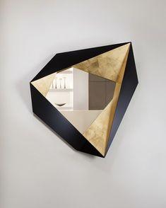 Un miroir design | design d'intérieur, décoration, maison, luxe. Plus de nouveautés sur http://www.bocadolobo.com/en/inspiration-and-ideas/